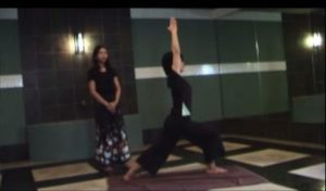 英雄のポーズ Yoga Station pose movie   YouTube